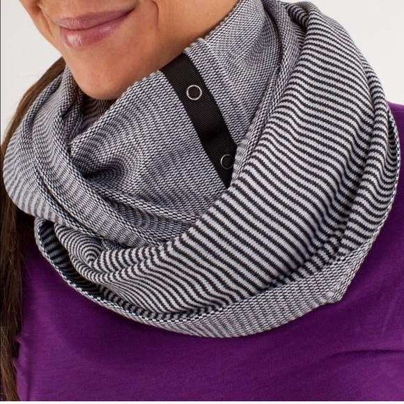 lululemon athletica Accessories - Lululemon Vinyasa Scarf *Rulu